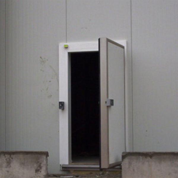 puerta pivotante frigorifica